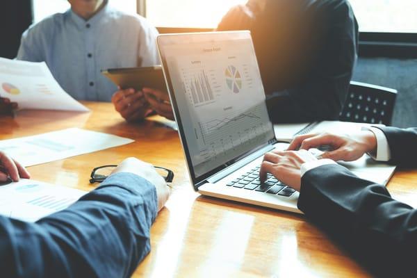 vantagens e desvantagens do outsourcing de ti